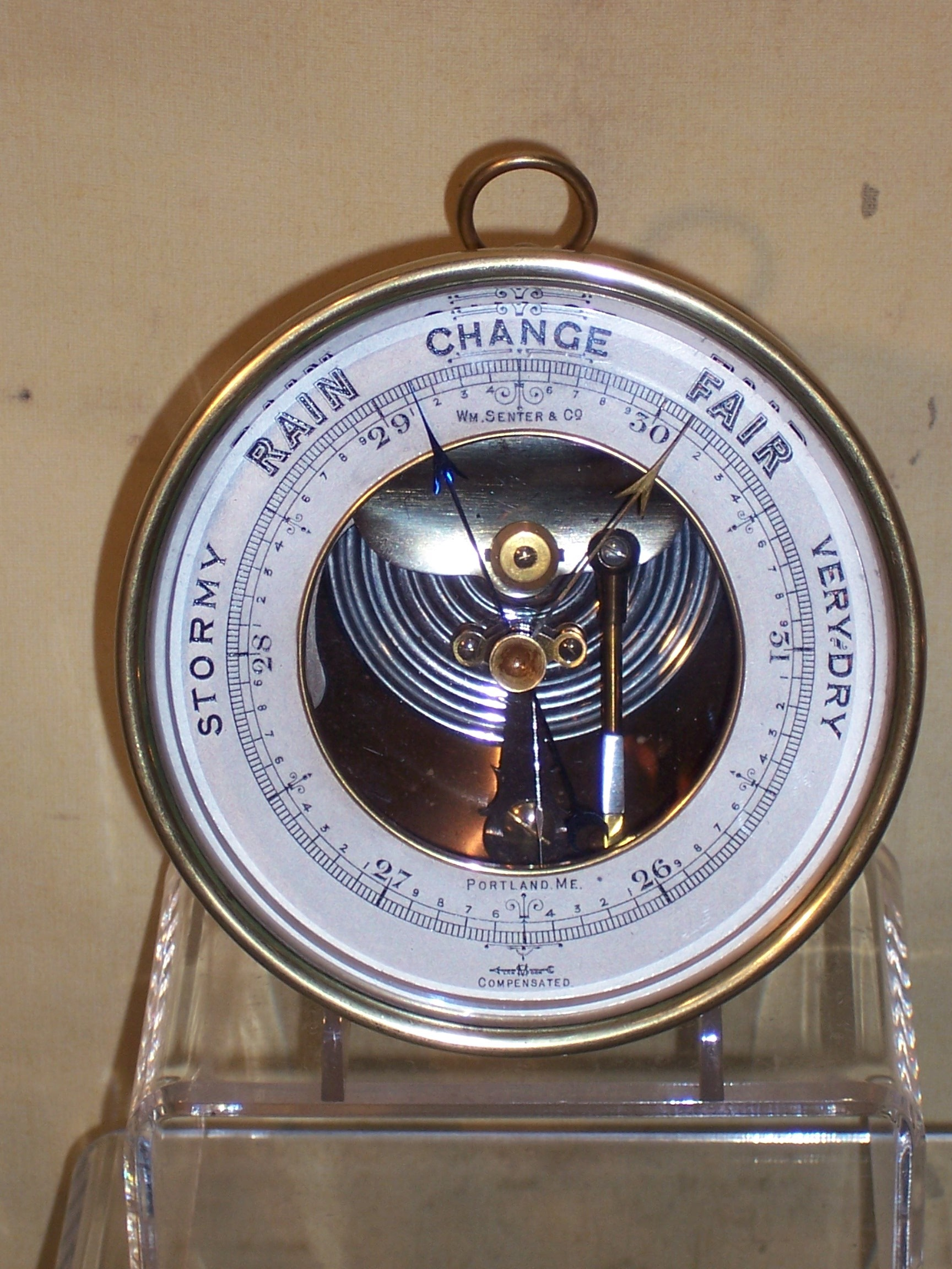 A483 Aneroid Barometer